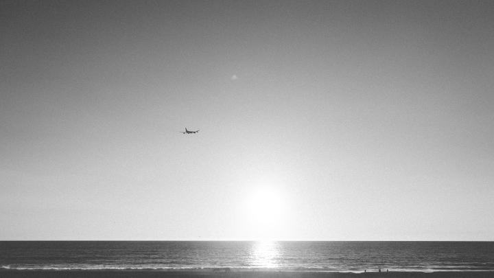 charlotteats plane travel