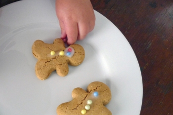 charlotteats gingerbread makes