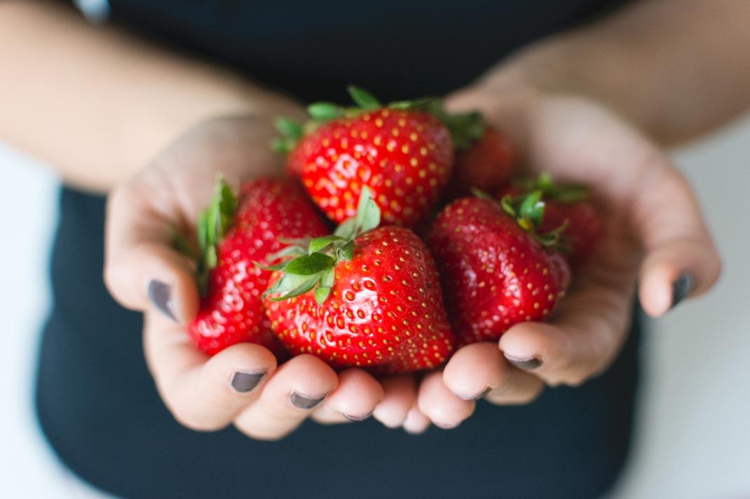 charlotteats FODMAP strawberries