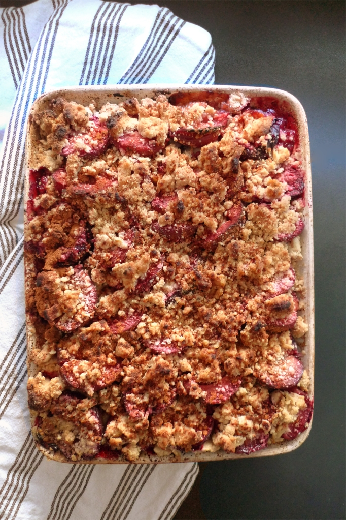charlotteats plum cake