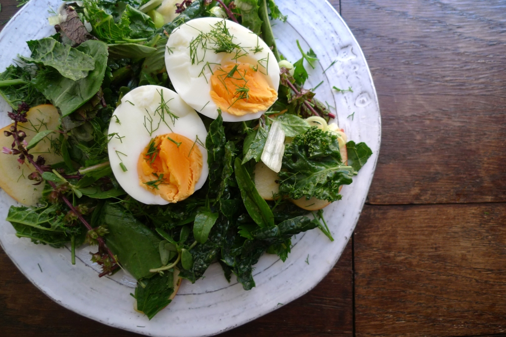 charlotteats farmers salad w egg 1